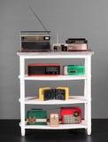 Collection de radios de transistor colorées de vintage Photo stock