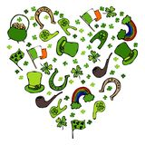 Collection de symboles irlandais Fond de forme de coeur Photographie stock libre de droits
