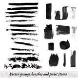 Collection de vecteur avec les courses grunges de brosse et les taches de peinture Ensemble d'éléments à l'encre noire illustration stock