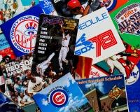 Collection de vieux programmes de base-ball. photographie stock libre de droits