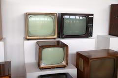 Collection de vieux récepteurs de TV en Nikola Tesla Technical Museum à Zagreb image stock