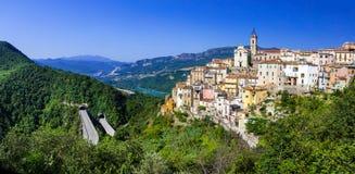 , Colledimezzo en l'Abruzzo, Lago di Bomba, Italie Images libres de droits