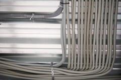Collegamenti dal soffitto, struttura del soffitto fatta del profilo del metallo Fotografia Stock Libera da Diritti