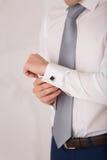 Collegamenti di polsino dello sposo il blu Fotografie Stock Libere da Diritti
