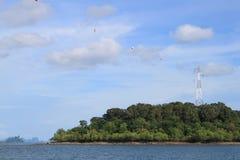 Collegamento di potere dell'isola al continente Fotografie Stock Libere da Diritti