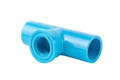 Collegamento di tubo blu del PVC isolato su bianco fotografia stock libera da diritti