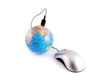 Collegamento in linea del mouse della rete Internet Fotografia Stock Libera da Diritti