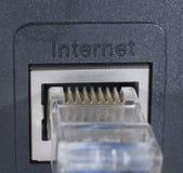Collegandosi ad Internet immagini stock