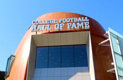 College - Football-Hall of Fame, das Atlanta errichtet Lizenzfreies Stockfoto