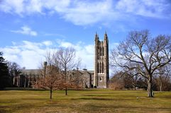 College-Glockenturm Princetons graduierter Stockfotos