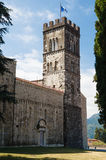 College- kyrka av den San Cristoforo duomoen i Barga, Tuscany, Italien Arkivfoto