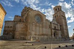 College- kyrka av Santa Maria Maggiore i tjurlandskap av Za royaltyfria bilder