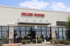 College Station, tienda de los deportes imagenes de archivo