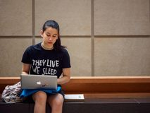 Free College Student Uses Laptop At Musee D`Orsay, Paris, France Stock Photography - 145434392