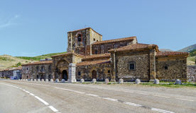 Collegekirche von Santa Maria de Arbas Leon in Spanien Lizenzfreies Stockfoto