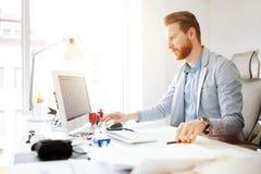 Colleghe che progettano gli scopi startup Immagini Stock