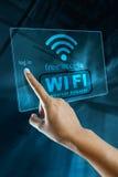 Colleghi ai wi fi una zona libera su uno Smart Phone Fotografia Stock Libera da Diritti