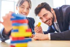 Colleghi nell'officina di team-building Immagini Stock