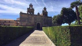 Collegiale Kerk van Santa Maria DE los Reales Alcazares, Ubeda, Spanje stock footage