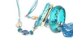 Collier bleu avec des bracelets Images libres de droits