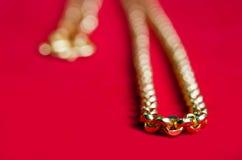 Collier 96 d'or catégorie thaïlandaise d'or de 5 pour cent avec le penda de coeur d'or Photographie stock