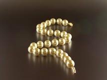 Collier de perle avec la réflexion Photographie stock