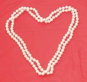Collier de perle sous forme de coeur 2 Photographie stock
