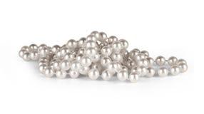 Collier de perle sur un fond blanc Images stock