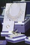 Collier des pierres précieuses et des bijoux JUNWEX Moscou 2014 Photographie stock libre de droits