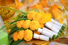Collier fabriqué à la main de fleur employant dans le temple, Photo stock