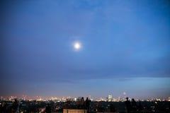 Collina alla notte, Londra della primaverina Fotografie Stock