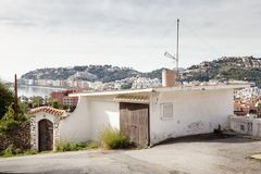 Collina da osservare delle case in spagna fotografie stock libere da diritti