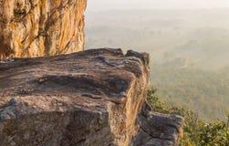 Collina della montagna della roccia o della pietra a Pha Hua Rue Phayao Attractions Thailand Travel fotografie stock