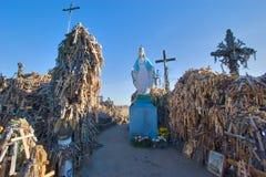 Collina delle traverse, Lituania fotografia stock libera da diritti