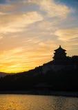 Collina di longevità nel tramonto Immagine Stock