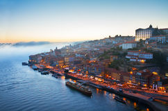 Colline avec la vieille ville de Porto, Portugal Photographie stock libre de droits