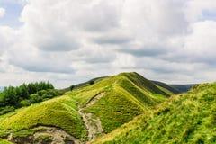Colline de massif de roche de maman près de Castleton et d'Edale dans le secteur maximal Natio image stock