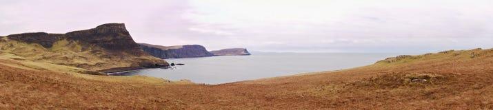 Colline de Waterstein Rolling Hills magnifique et falaises très hautes au-dessus de baie Photographie stock