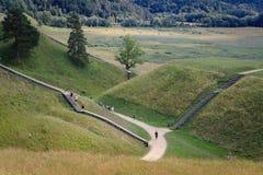Colline del monticello in Kernave capitale storico lituano fotografie stock