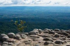 Colline della roccia sul cielo Immagini Stock