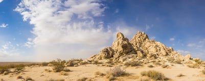 Colline des rochers de roche de grès photo stock