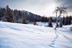Colline di Snowy nelle alpi di Allaguer Immagine Stock Libera da Diritti