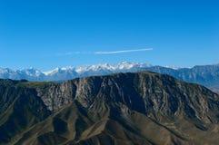 Colline e montagne, Kadamzhai, Kirghizistan Fotografie Stock Libere da Diritti