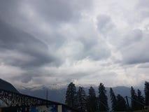 Colline e nuvola fotografie stock