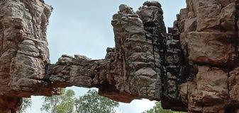 Colline et roche stupéfiantes image libre de droits