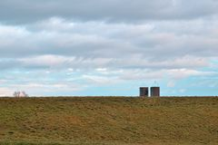 Colline et silos Image stock
