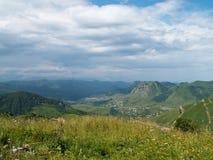 Colline pedemontana del Caucaso immagini stock