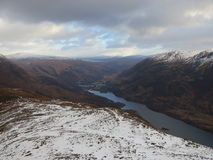 Colline scozzesi nell'inverno fotografie stock
