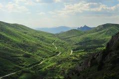 Colline verdi della montagna immagini stock
