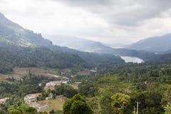 Colline verdi e montagne nell'alpeggio intorno a Nuwara Eliya nello Sri Lanka centrale Fotografia Stock Libera da Diritti